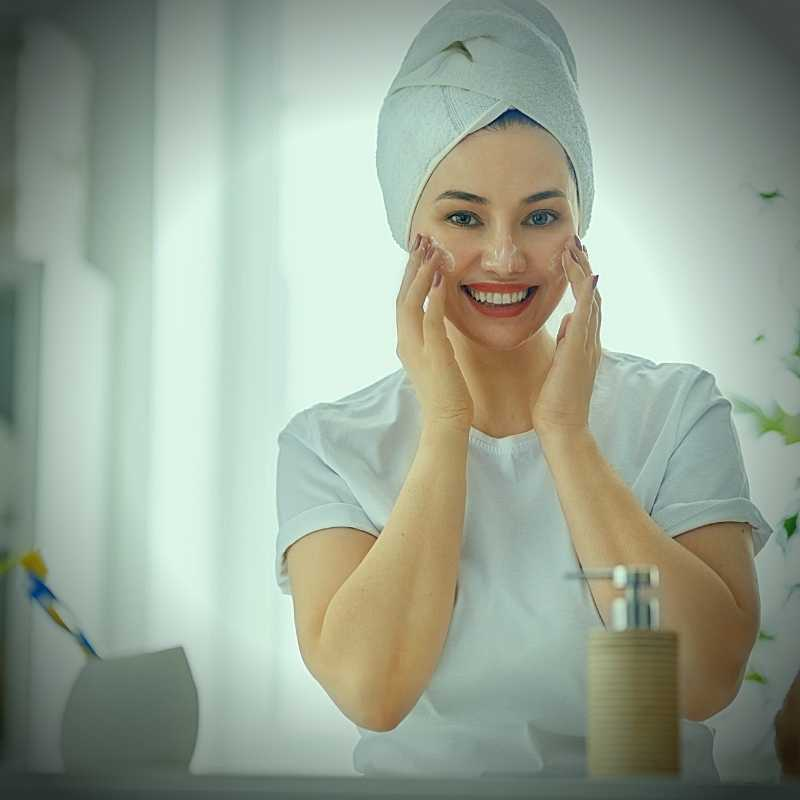 is baking soda good as a scrub for face